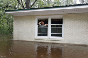 عکس/ طوفان فلورانس در آمریکا جان 31نفر را گرفت