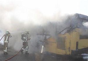 یک اتوبوس مسافربری دیگر در آتش سوخت +عکس