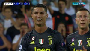 اخراج رونالدو در اولین بازی یوونتوس در لیگ قهرمانان اروپا +عکس