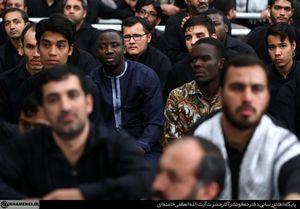 عکس/ عزاداری شب عاشورا با حضور رهبر انقلاب