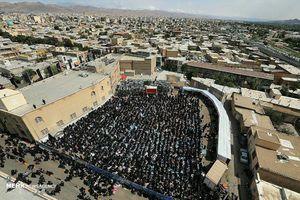 اقامه نماز ظهر عاشورا در حسینیه اعظم زنجان
