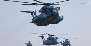 یگانهای پروازی ارتش و سپاه بر فراز خلیج فارس رژه رفتند
