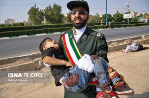 نیروهای سپاه مانع از اصابت گلولهها به مردم شدند