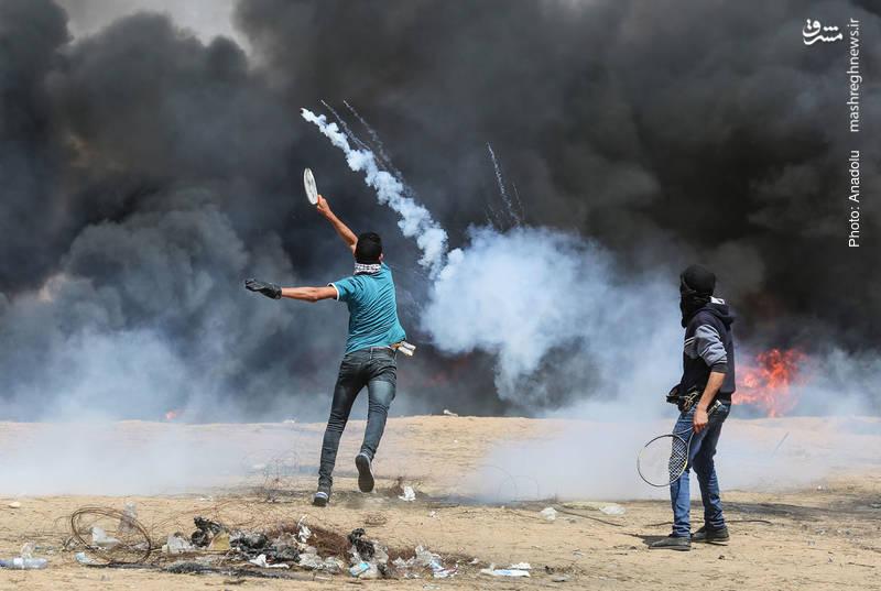بازگرداندن گاز اشکآورِ سربازان اسرائیلی با راکت تنیس در خان یونس