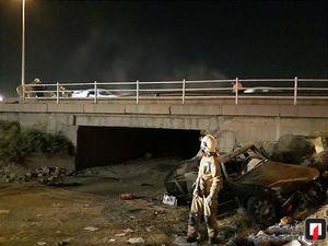 عکس/ سقوط خودرو سواری از روی پل