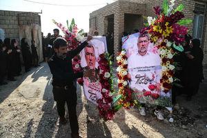 قاب عکس شهیدِ ترور در دست «حاج حسین» بود که ترور شد + عکس