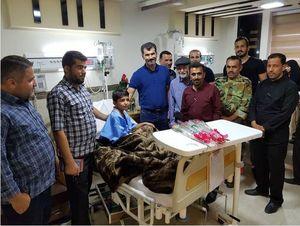 عکس/ عیادت بازیکنان استقلال خوزستان از مجروحان حادثه تروریستی