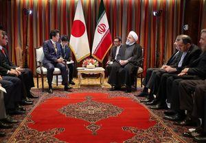 رایزنی روحانی و نخست وزیر ژاپن درباره مسائل منطقهای