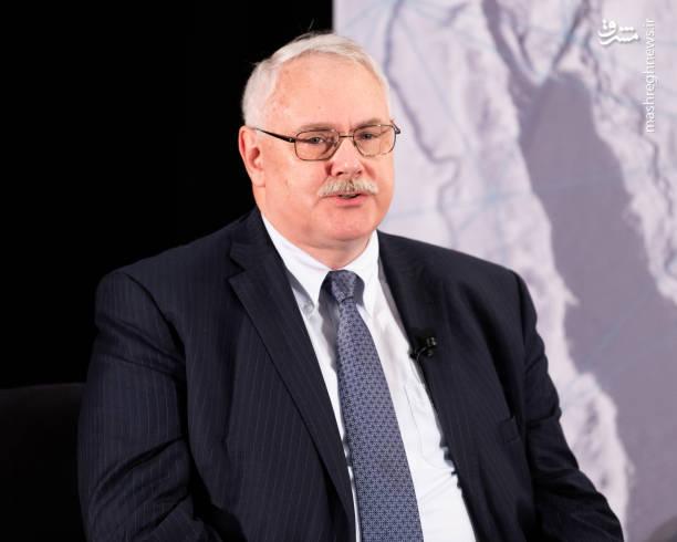 نورمن رول (از مقامهای سابق سازمان اطلاعات مرکزی آمریکا)