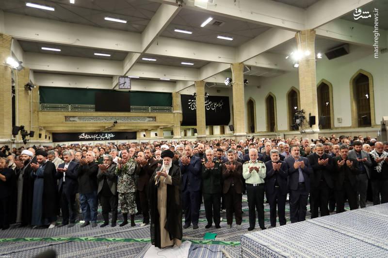 مراسم شب خاطره دفاع مقدس با حضور رهبر انقلاب