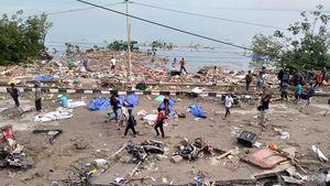 اولین تصاویر از سونامی مرگبار در اندونزی