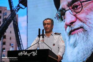 بازدید شهردار تهران از تجهیزات جدید سازمان آتش نشانی
