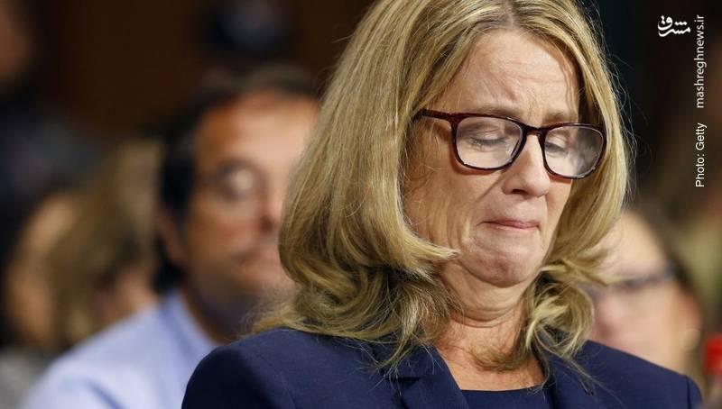 اشکهای پرفسور بلیسی فورد، زنی که ادعا میکند کاوانا نامزد عضویت در دیوان عالی آمریکا در دهه 1980 میلادی او را در یک مهمانی مورد آزار قرار داده است.