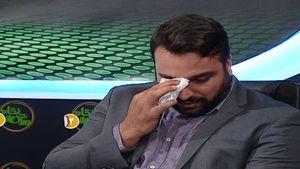 فیلم/ اشکهای احسان حدادی در برنامه زنده