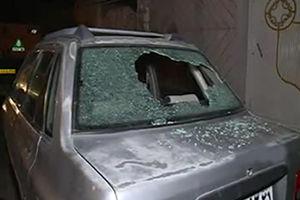 فیلم/ حمله اراذل با پتک و قمه به خودروهای مردم!