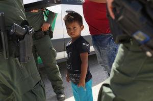 جداسازی کودکان و خانوادههای مهاجر - نمایه