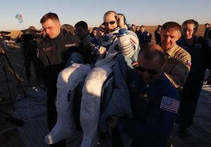 بازگشت ۳ فضانورد به زمین