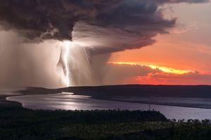 تصاویر خیرهکننده از رعدوبرق در آسمان استرالیا