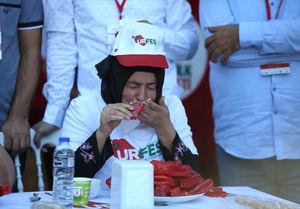 عکس/ مسابقه خوردن فلفل تند