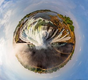 تصویر 360درجه زیبا از آبشاری در زیمبابوه