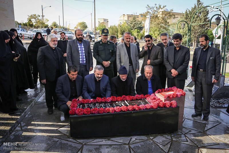 مزار سردار شهید حسین همدانی در گلزار شهدای همدان