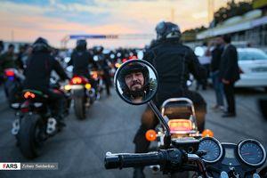 عکس/ مسابقه موتورسواری سرعت پلیس