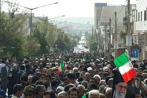 عکس/ استقبال پرشور از نماینده ولی فقیه در استان ایلام