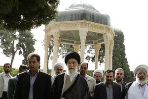 فیلم/ توصیف حافظ شیرازی در بیان رهبر انقلاب