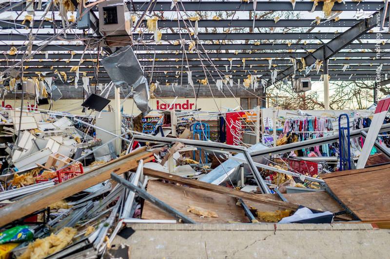 آسیبهای وارده به یک فروشگاه در فلوریدا بر اثر طوفان مایکل