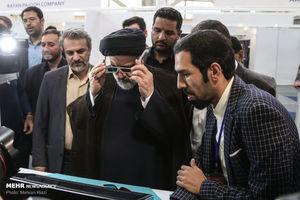 عکس/ بازدید رئیسی از نمایشگاه شرکتهای دانشبنیان