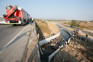 عکس/ واژگونی مرگبار کامیون حامل مهاجران در ترکیه