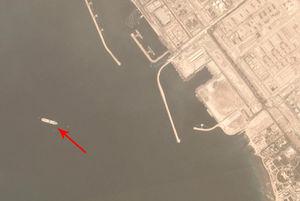 فوربز: ایران صادرات نفتش را مخفی میکند/ چگونه تحریمها صادرات نفت را حتی یک قطره کم نمیکند؟ +فیلم