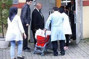 عکس/ گروه مشکوکی که وارد سفارت عربستان شد