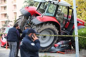 عکس/ حمله انتخاری با تراکتور در ترکیه