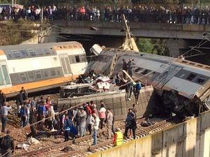 ۵۰ کشته براثر برخورد قطار با مردم در هند
