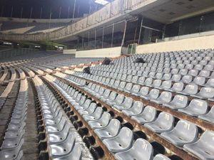 عکس/ اقدام تحسین برانگیر بانوان در استادیوم آزادی