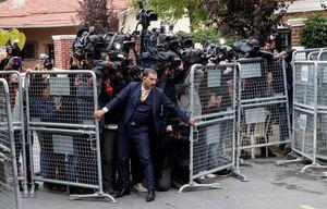 عکس/ ازدحام خبرنگاران مقابل کنسولگری عربستان در ترکیه