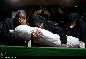 عکس/ وداع با پیکر شهید قربانی بعد از ۳۶ سال