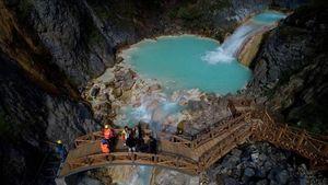 عکس/ دریاچهای فیروزهای در ترکیه