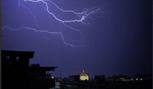 عکس/ رعدوبرق زیبا در آسمان نجف اشرف