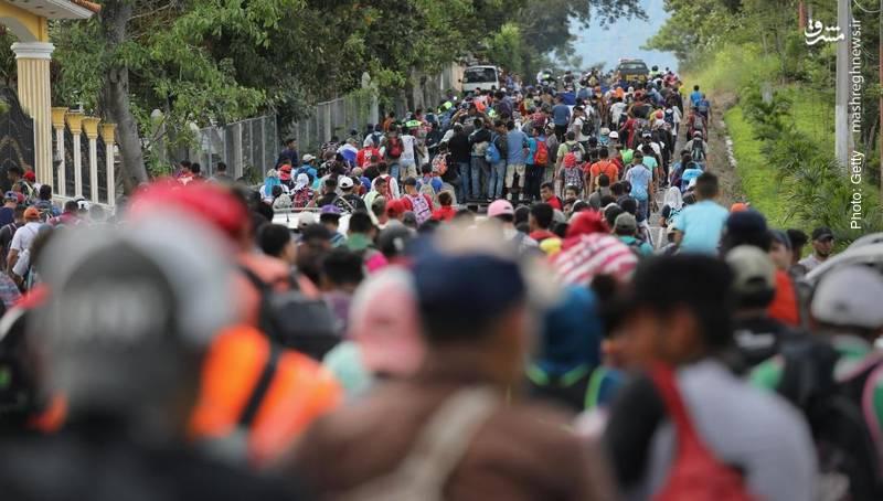 کاروان 1500 نفره مهاجران هندوراسی که قصد عبور از گواتمالا به سمت آمریکا را دارند.