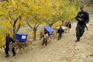 عکس/ انفجار انتحاری در روز برگزاری انتخابات افغانستان