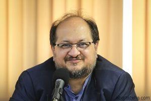 شریعتمداری: شکایت ها از خبرنگاران پس گرفته شود