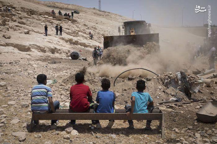 کودکان فلسطینی در برابر بولدوزرهای صهیونیستی