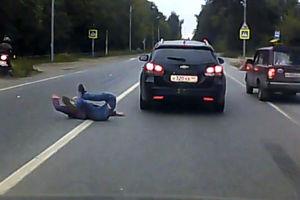 فیلم/ تصادف مرگبار یک موتورسوار در اتوبان!