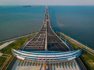 عکس/ افتتاح طولانیترین پل آبی جهان در چین
