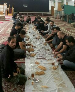عکس/ پذیرایی مردم تالش از زائرن آذربایجانی