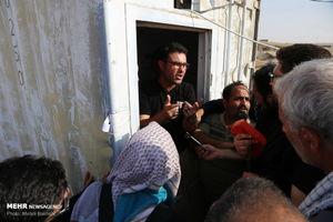عکس/ ازدحام برای دریافت دینار در مرز مهران