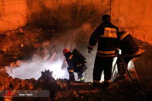 عکس/ آتش سوزی در یک خانه متروکه!