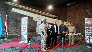 عکس/ رونمایی یمنیها از موشک جدید بدر